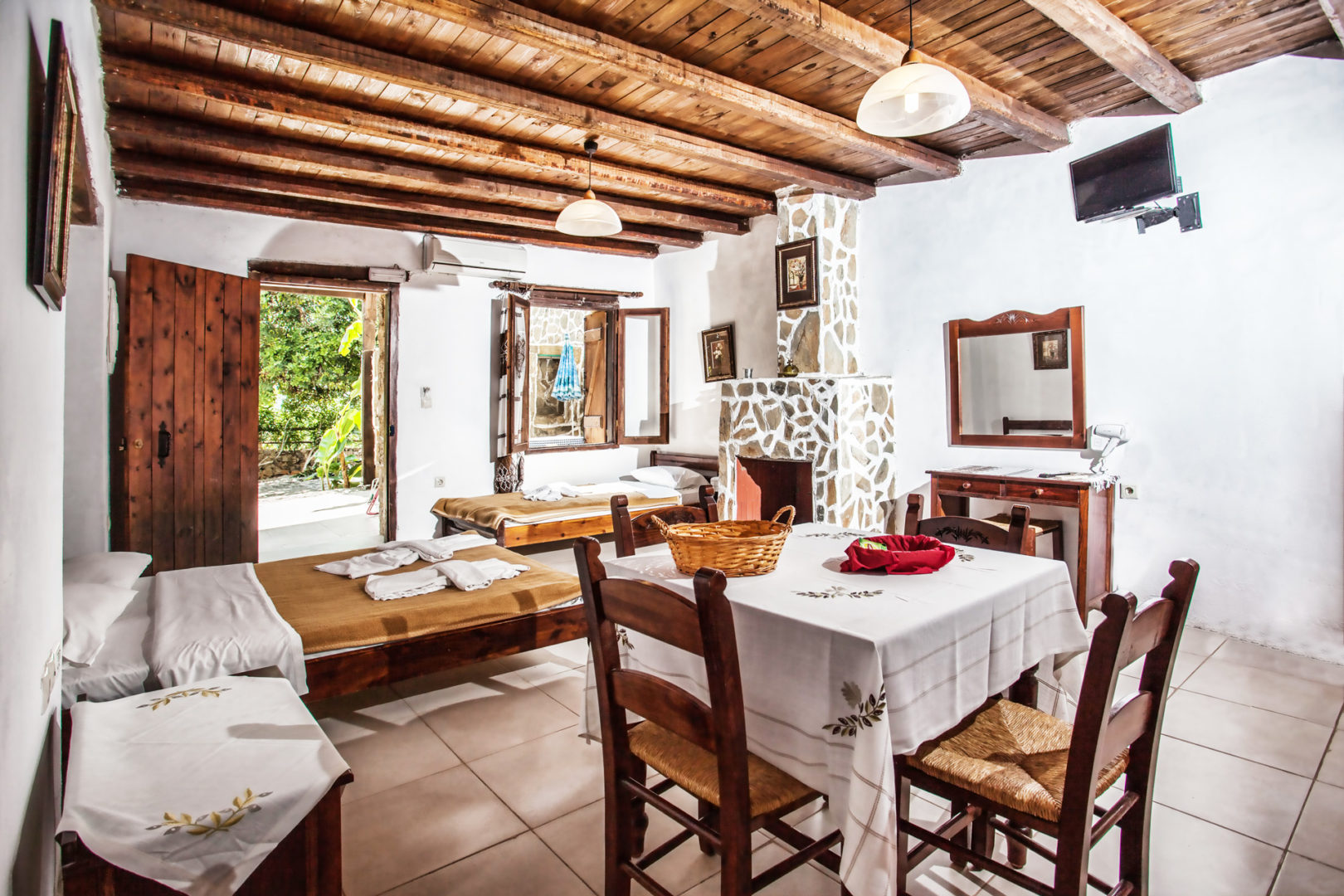 Accommodation in Bali Crete - 1-Bedroom Apartment 2 - Stone Village