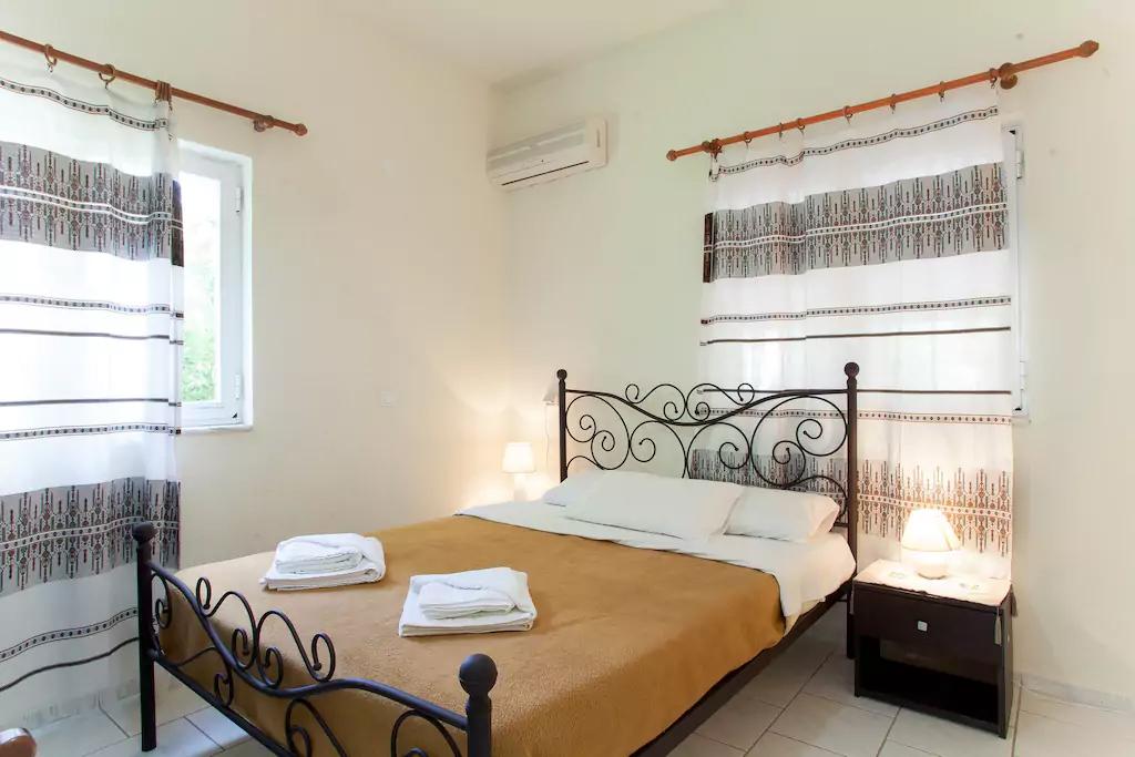 Spacious Villa in Crete Bali - Villa Klados - Bedroom 1