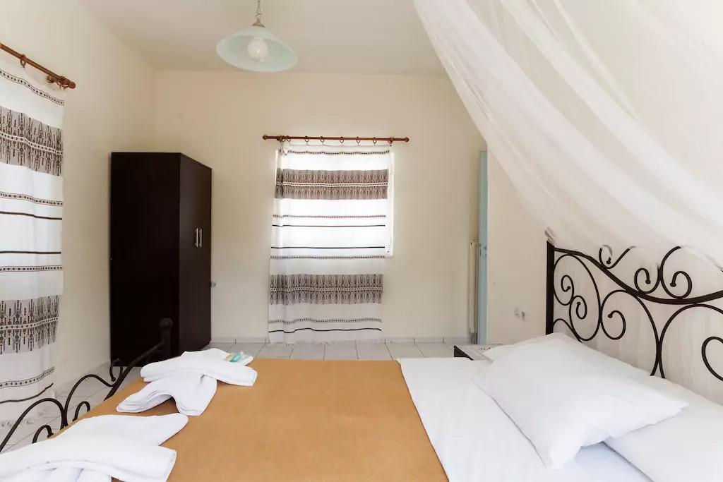 Spacious Villa in Crete Bali - Villa Klados - Bedroom 6b